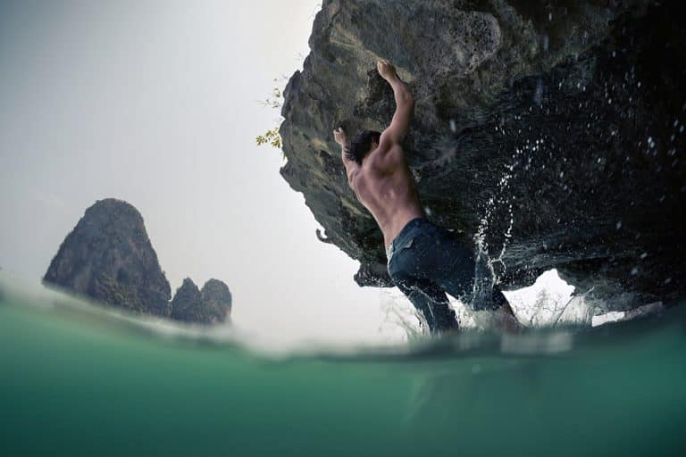 What is Deep Water Soloing